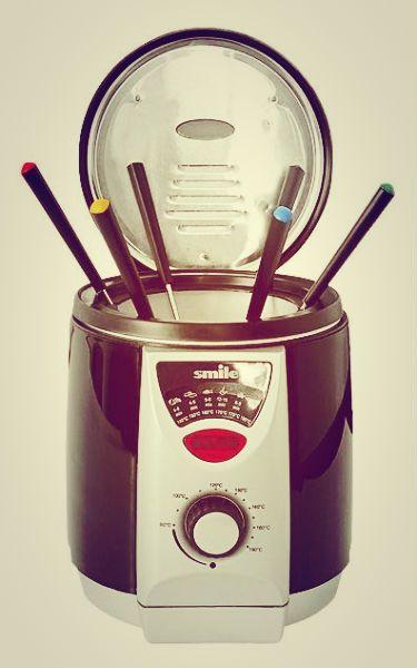 Электрофритюрница с фондю Smile FR 1712. Две нужных функции в одном устройстве http://zacaz.ru/novosti/kuhonnye-novinki-ot-smile/