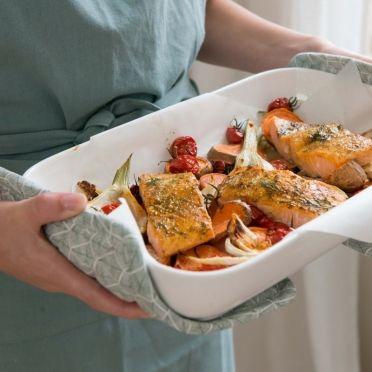 Ovenschotel met zalm en zoete aardappel - Dille & Kamille | Ontdek onze nieuwe paascollectie