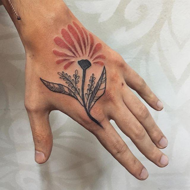 Tatuagem feita por @celitagp 🌸🌹🌷 Celita P. 🇧🇷 Santo André - SP ✈️ 12 à 17 de dezembro - Curitiba ✈️ ✈️ 8 à 16 de janeiro - Rio de Janeiro ✈️ ✈️23 à 28 de janeiro - Blumenau ✈️ facebook.com/celitaportotattoo
