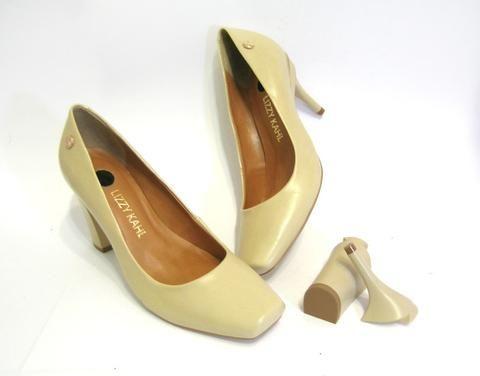 Sapato Bico Quadrado Troca de Salto Bege