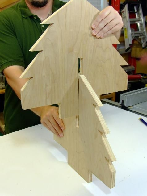 How to Build a Wooden Christmas Tree Centerpiece