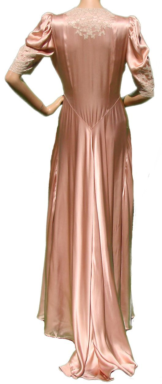 Vintage 40s Silk Peignoir // 1940s Satin Peach Pink w Lace Insetting