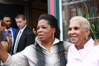 Robbie Montgomery is opening a Sweetie Pie's Restaurant in Memphis, TN on Beale Street. Yay!