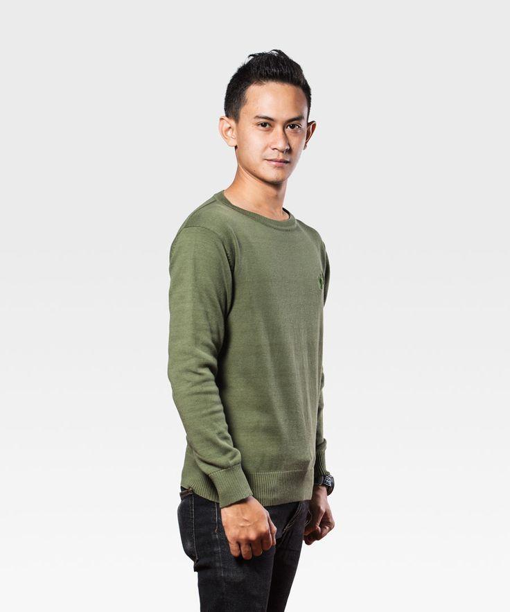 Himalaya Plain Sweatshirt, sebuah sweatshirt dengan disain sederhana yang terbuat dari bahan katun dan spandek. Keren dan nyaman dipakai.