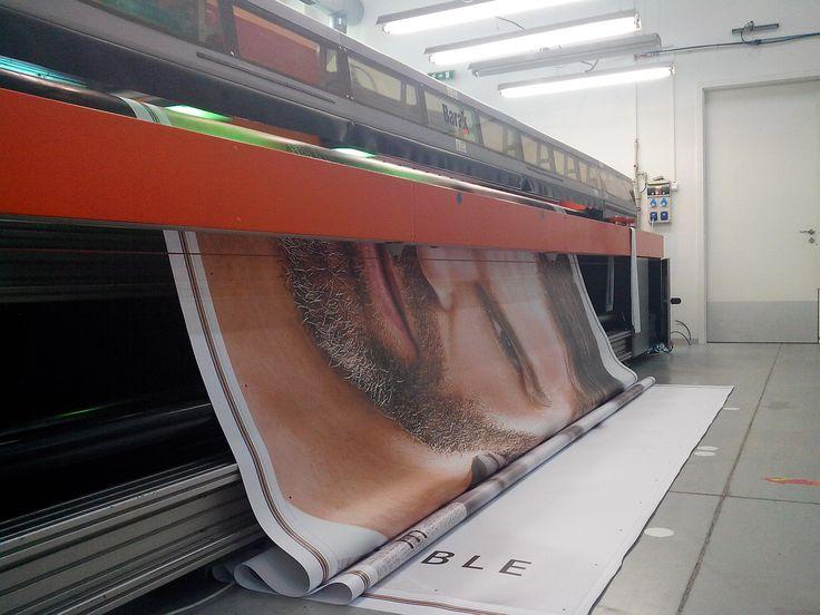 Tlačíme aj na známe tváre. Aj na takýto mesh   #tlač #mesh #banner #fasáda #plachta #baner #reklama