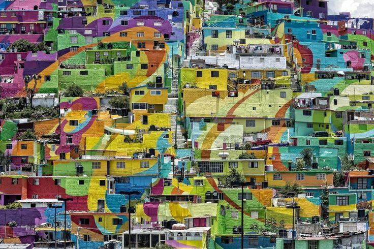 Kæmpe vægmaleri dækker en hel by i Mexico - se de flotte billeder | www.b.dk