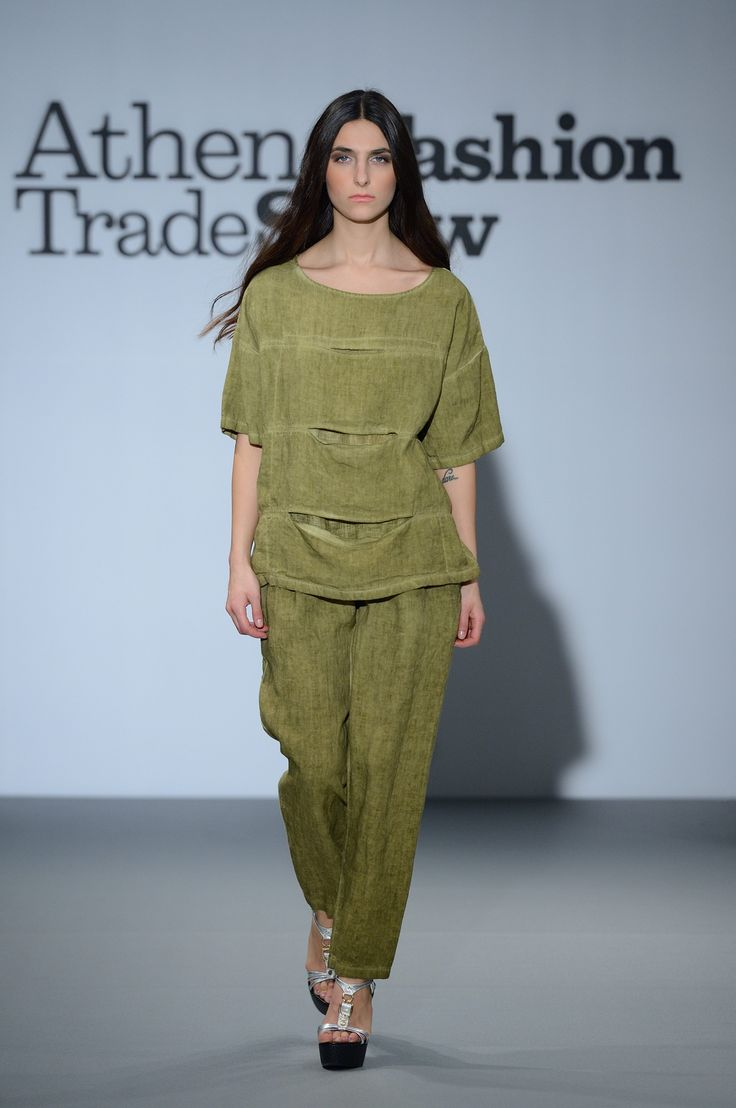 Great outfit!!! Olive green linen top with linen trousers. Elegant and stylish. 100% Natural Fabrics only!!