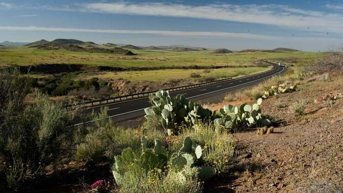 8 Scenic Highway Drives | 1. I-17, Flagstaff to Phoenix, Arizona, 2. I-84, Portland to The Dalles, Oregon, 3. I-10, Palm Springs to Blythe, California, 4. I-81, Strasburg to Roanoke, Virginia, 5. I-78, Newark Airport to the Holland Tunnel, New Jersey,  6. I-75, Naples to Broward County, Florida, 7. I-70, Denver to Grand Junction, Colorado, 8. I-65, Bowling Green to Louisville, Kentucky
