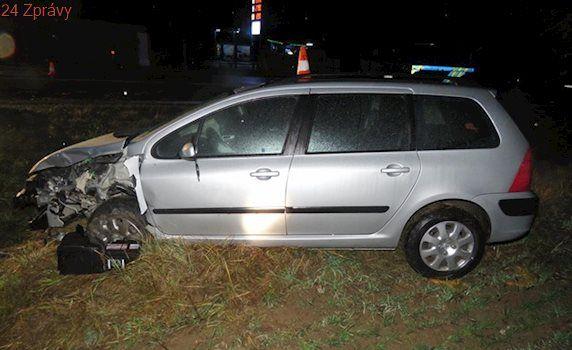Tragický střet dvou vozů způsobil řidič třetího, ukázalo vyšetřování