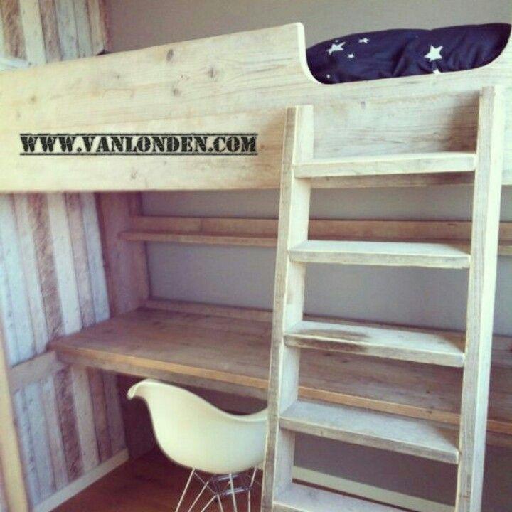Hoogslaper met bureau van steigerhout te koop bij - Deco kamer onder dekking ...