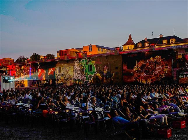 Open-Air-Kino im Viehhof / München - Freiluft-Kino / ©  Massimo Fiorito  My absolute favourite during the summer!