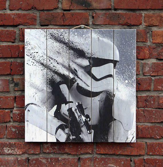 Штурмовик Star Wars. Картина на состаренных досках. Деревянное