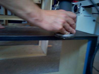 menghaluskan dengan router #unik #lucu #kreatif #bingkai #kerajinan #craft #crossbond #kayu #bambu #woodworker #wooden #wood #bioindustries #lemkayu #perekatan #adhesive #plywood #meja #mebel #furniture