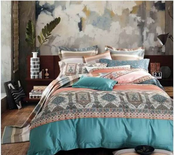 Vintage Bedding - check various designs and colors on Pretty Home http://www.prettyhome.org/vintage-bedding/