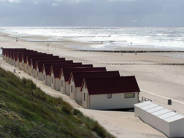 Er zijn veel schitterende stranden met wit zand en een helder blauwe zee... Maar 'ons eigen Domburg' is en blijft een prachtig strand!