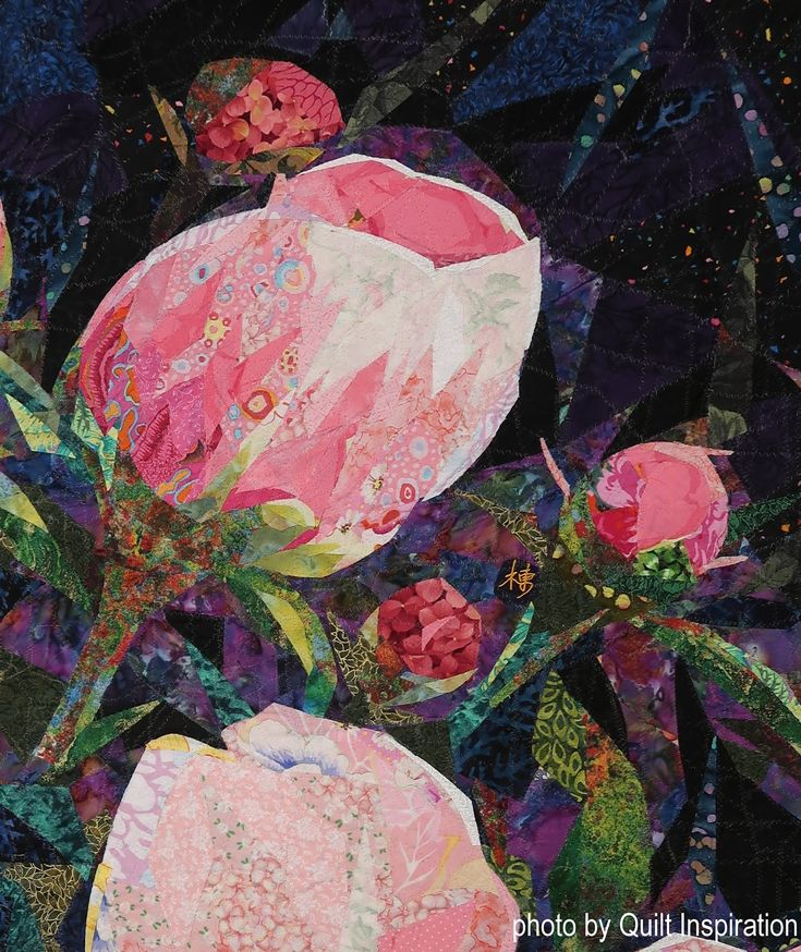 Peonies II by Danny Amazonas.  Photo-detail by Quilt Inspiration.  2017 Houston International Quilt Festival.