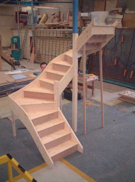 Best Small Stairs For The Home Winder Stairs Building 400 x 300