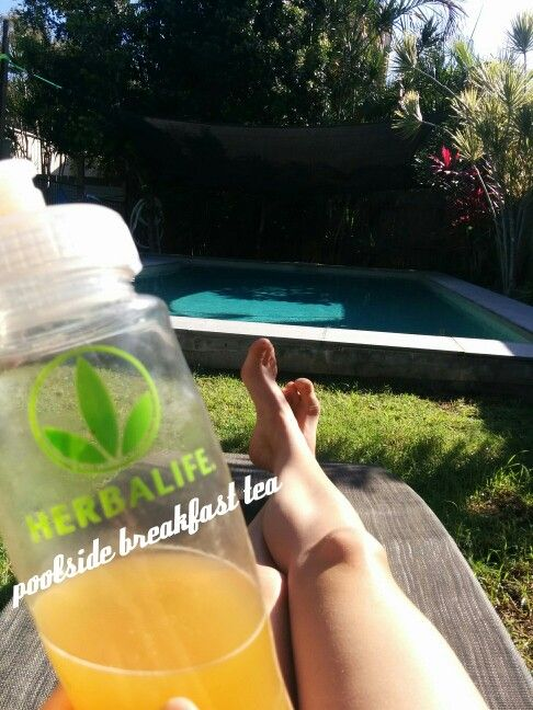 Burning an extra 80 calories with my Herbalife tea while I try not to burn my buns.