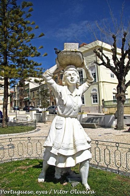 Monumento à Peixeira - Buarcos - Portugal by Portuguese_eyes, via Flickr