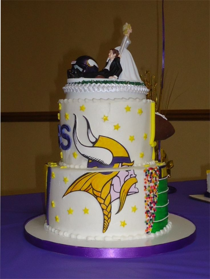 football wedding cake ideas 17 best images about minnesota vikings cakes on 14398