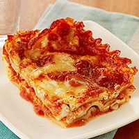 This Crockpot Lasagna is only a 20 minute prep time and then just put it in the slow cooker and let it cook! So quick and easy!