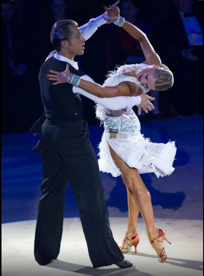 Riccardo and yulia wow this is beautiful ballroom for Garderobe yulia