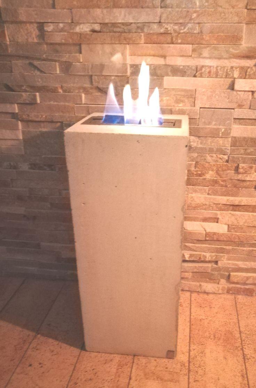 Neu bei Besigns Beton Designs! Die Besigns Beton Design Feuersäule mit Edelstahl Bio-Ethanol Brennkammer . www.bestigns-beton-designs.de . #besigns #beton #design #feuersäule #flammensäule #concrete #door #couchtisch #betondeko #betonmöbel #möbel #betontisch #zement #minimalissmus #purismus #puristisch #decorations #deco #outdoor #interiordesign