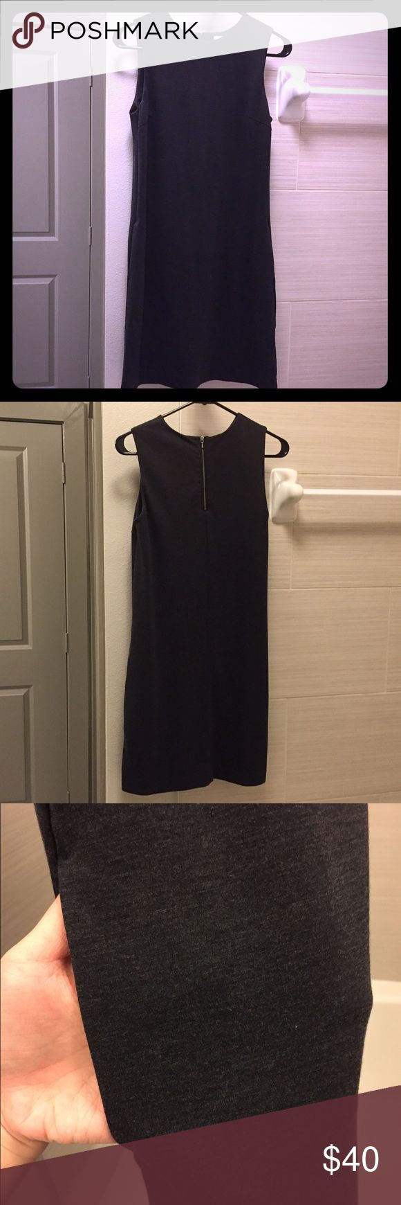 Uniqlo Dress - Dark Gray Preowned, only worn once. Looks like new ✨😁 Size XS. The dress is in very good condition, with zero stains and tears. This dress is very versatile and is good for everyday wear! Uniqlo Dresses Midi