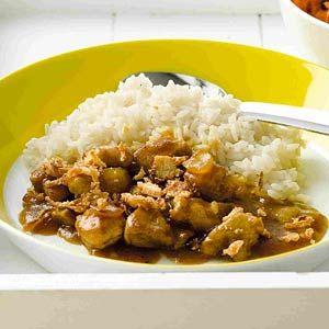 Recept - Snelle rendang met wortel-rozijnensalade - Allerhande