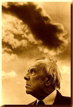 Poema - Cambridge - Jorge Luis Borges | Cuentos y Fábulas  Como en los sueños  detrás de las altas puertas no hay nada,  ni siquiera el vacío.  Como en los sueños,  detrás del rostro que nos mira no hay nadie.  Anverso sin reverso,  moneda de una sola cara, las cosas.  Esas miserias son los bienes  que el precipitado tiempo nos deja.  Somos nuestra memoria,  somos ese quimérico museo de formas inconstantes,  ese montón de espejos rotos.