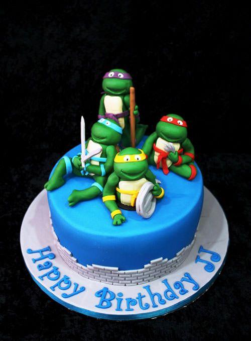 Torta delle Tartarughe Ninja con decorazioni in pasta di zucchero n.71