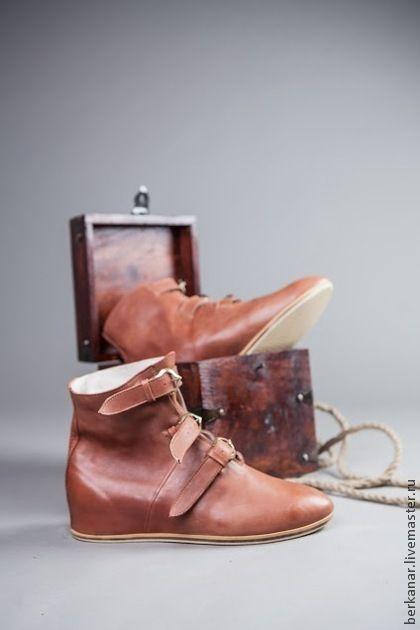 """Средневековые кожаные ботинки с пряжками """"Королевская Гвардия"""" - коричневый"""