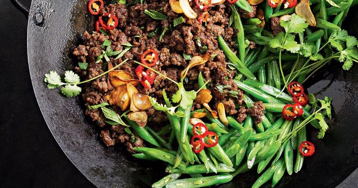 This fast, low-fat stir-fry features lean beef mince cooked in sweet pineapple juice and oyster sauce for rich umami flavour.