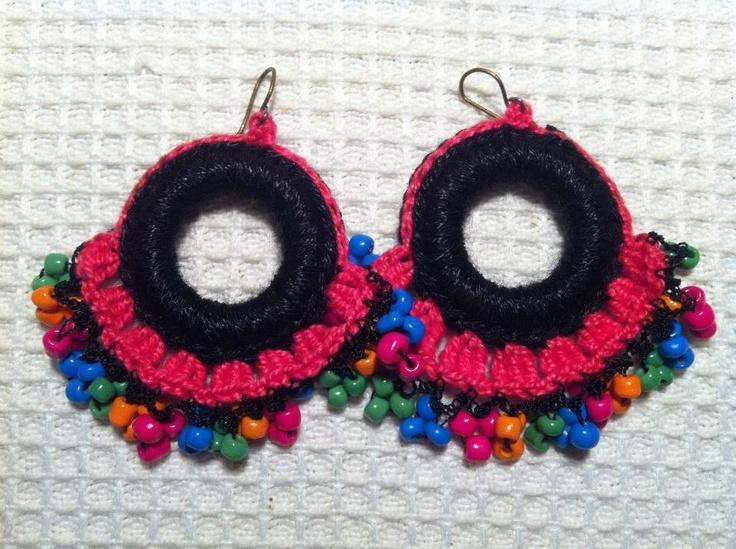 """Joyeria creativa, en crochet y tejidos, hecha con materiales no tradicionales.  Envios a todo Chile y el mundo, preguntar por Inbox.  Mira mi album de fotos """"Mis Joyas"""". Y dale me gusta a la página!    https://www.facebook.com/joyas.lindas.tejidas?ref=hl"""