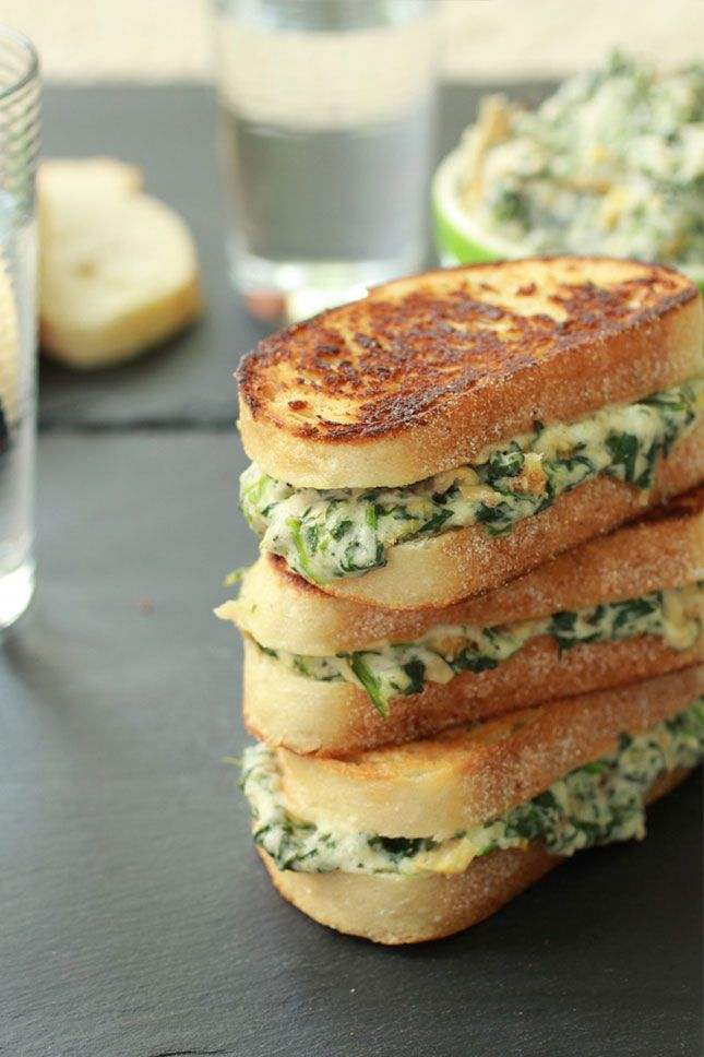 How delicious does this Spinach + Artichoke Grilled Cheese Melt look?!
