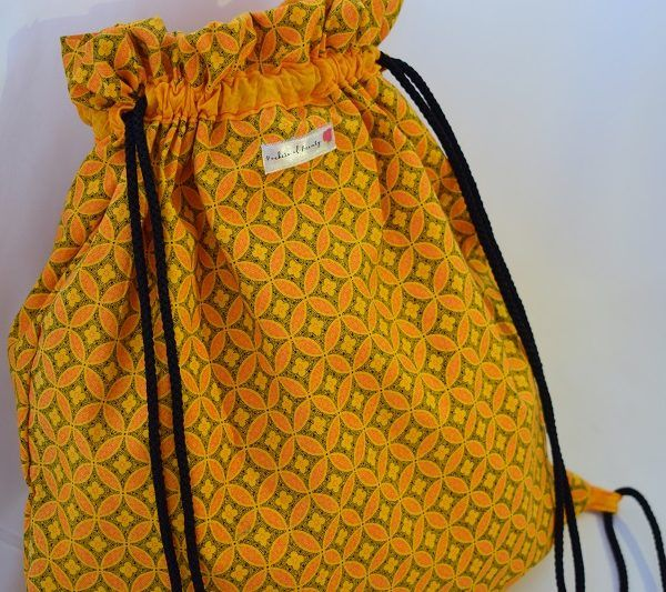 Pockets of Beauty - The daily drawstring bag