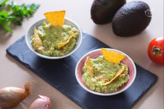 La famosa salsa messicana guacamole è un antichissimo condimento a base di avocado, la cui ricetta risale addirittura al tempo degli Atzechi.