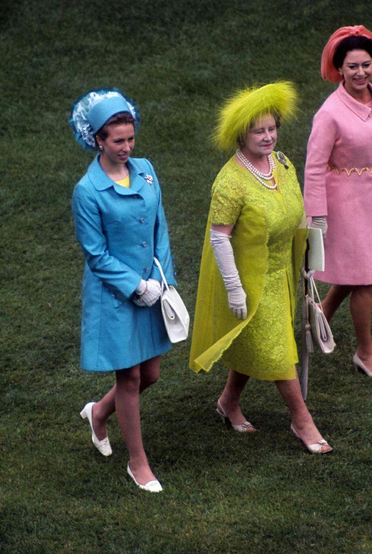 PHOTOS - La princesse Anne, la reine mère et la princesse Margaret le 1er…