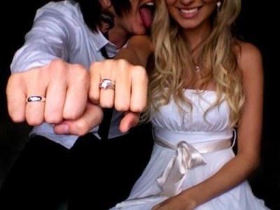 love- young wedding photo idea