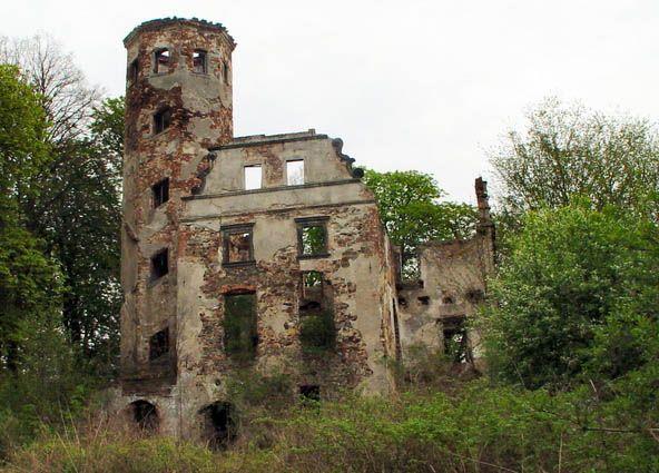 The ruins of the palace, Jędrzychowice, Lower Silesia, Poland.