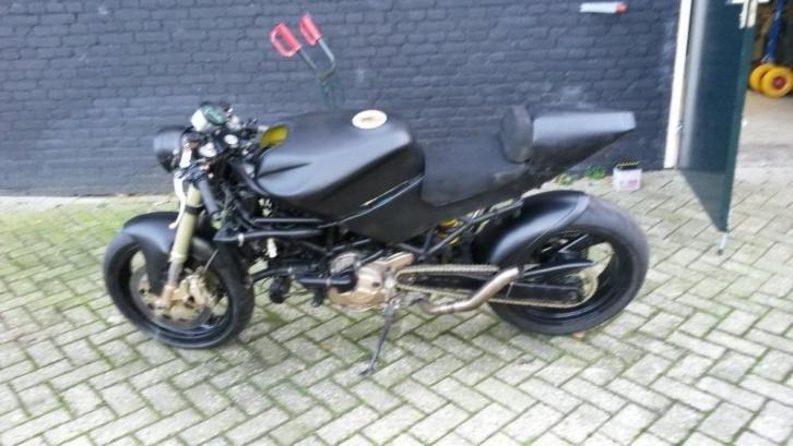 Ducati ST4 streetfighter