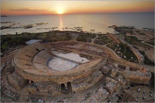 """Bild von Michael Melford - """"Das römische Theater in Caesarea, Israel an der Mittelmeerküste"""""""