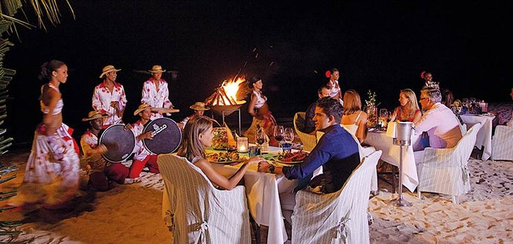 To discover the local Mauritian cuisine, feet in the white sand...