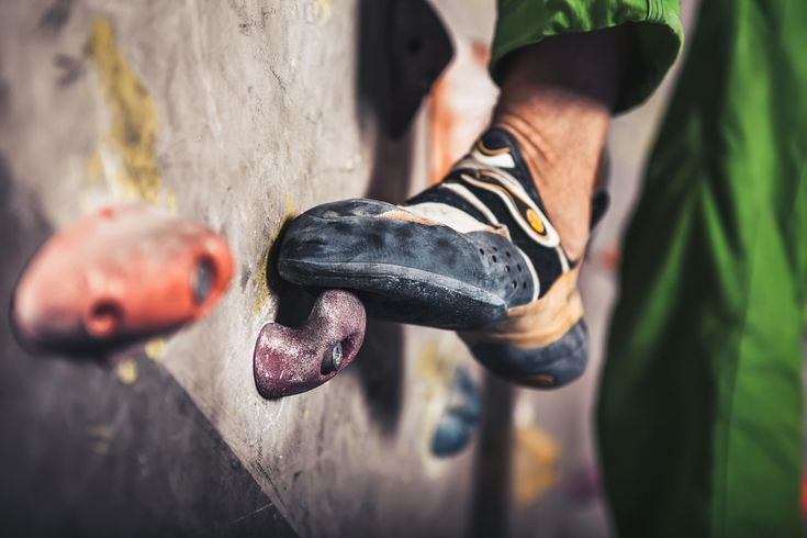 Concise bouldering shoes reviews tailored to your needs. Because we believe the best bouldering shoes are not the best for everyone.
