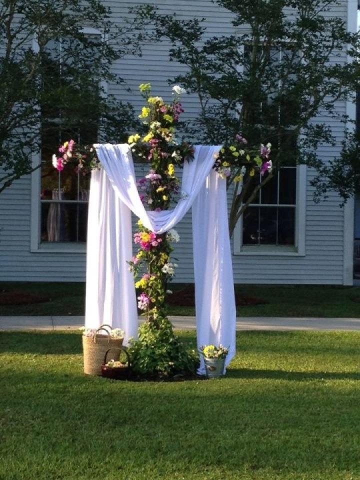 Fresh flowers Easter morning. Aldersgate United Methodist Church, Slidell, LA. †