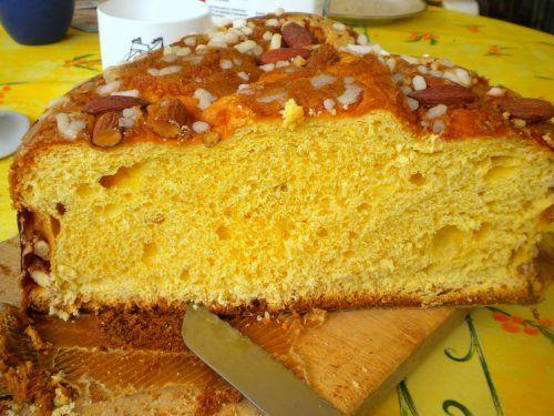 Vasilopita este o prăjitură grecească asemănătoare unui chec şi se face în ajunul Anului Nou, pentru a fi servită chiar în prima zi din an, atunci când este sărbătorit Sfântul Vasile. Există foarte…