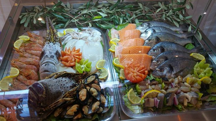 Fresh fish at Mnistires Restaurant, Odyssey hotel, Agia Efimia, Kefalonia, Greece