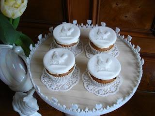Süße Versuchung: Hahn - Cupcakes mit Springerle Model