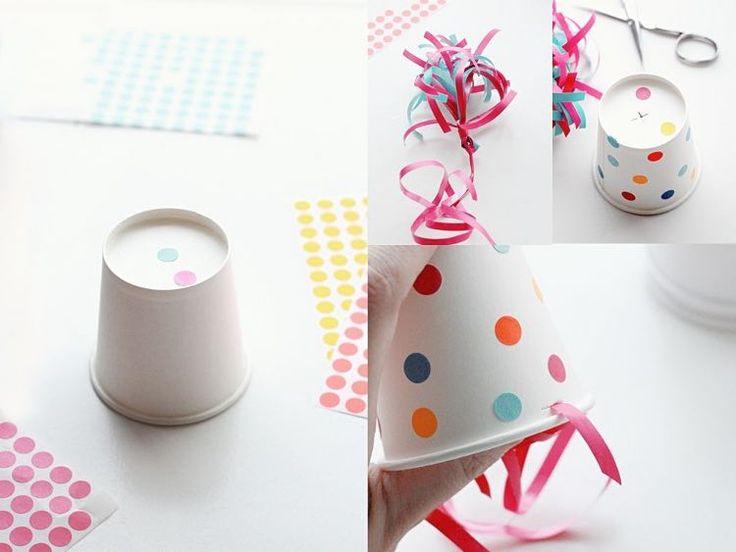 Tutorial fai da te: Come realizzare cappellini per una festa di compleanno con bicchieri di carta via DaWanda.com