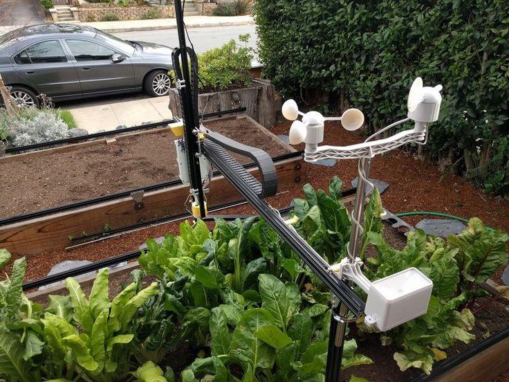 La startup californienne FarmBot a conçu un robot open-source qui fait pousser des légumes à votre place, et entretient votre potager nuit et jour.